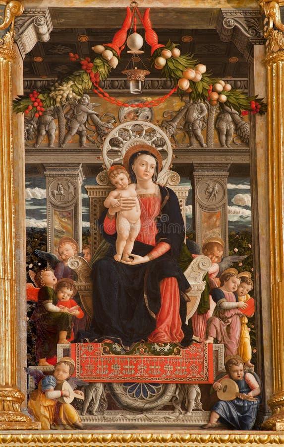 Verona - della Virgine de Maesta del pedazo - basílica di San Zeno imagen de archivo libre de regalías