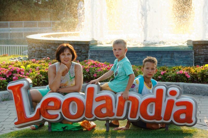 Verona, Italië 18 Augustus, 2018: Leolandpretpark familiefoto in leolandia royalty-vrije stock foto