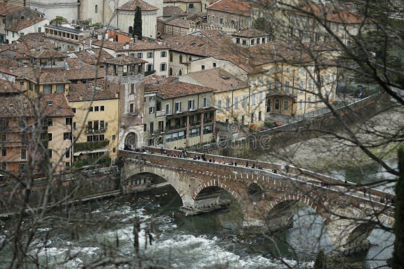 Verona Italy Ponte Pietra stockfotos