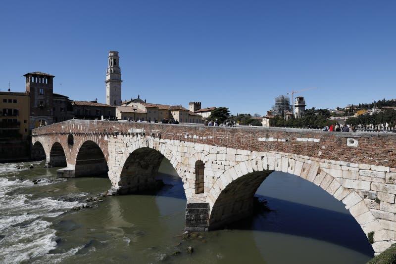 Verona Italy Ponte Pietra lizenzfreie stockfotos