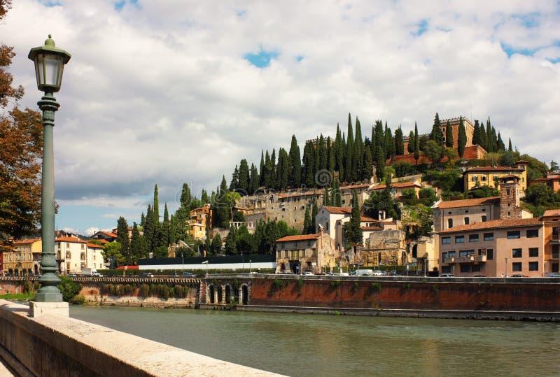 Verona, opinión hacia Castel San Pedro fotografía de archivo libre de regalías