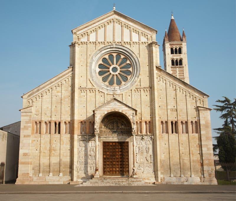 Verona, San Zeno kościół - obraz royalty free