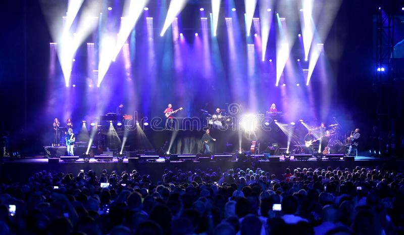 Verona, VR, Itália - 23 de setembro de 2018: ANTONELLO VENDITTI um cantor-songwrite italiano foto de stock