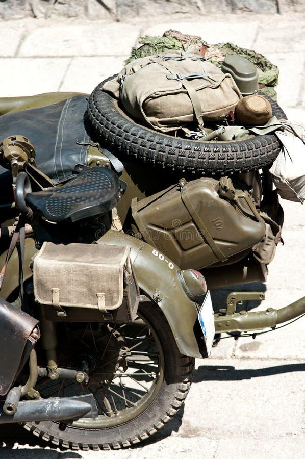 Verouderde militaire motorfiets royalty-vrije stock afbeeldingen
