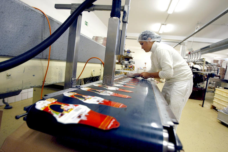 Verpackenproduktionsfabrik lizenzfreie stockfotos