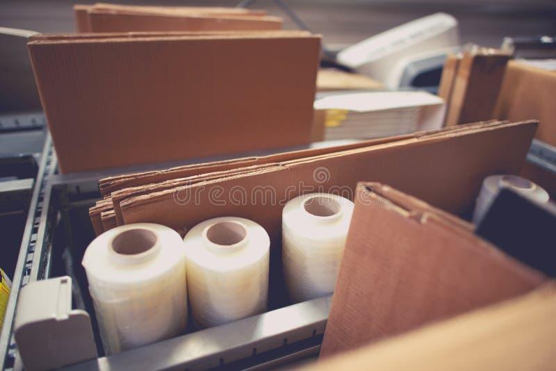 Verpackung und Versand lizenzfreies stockfoto