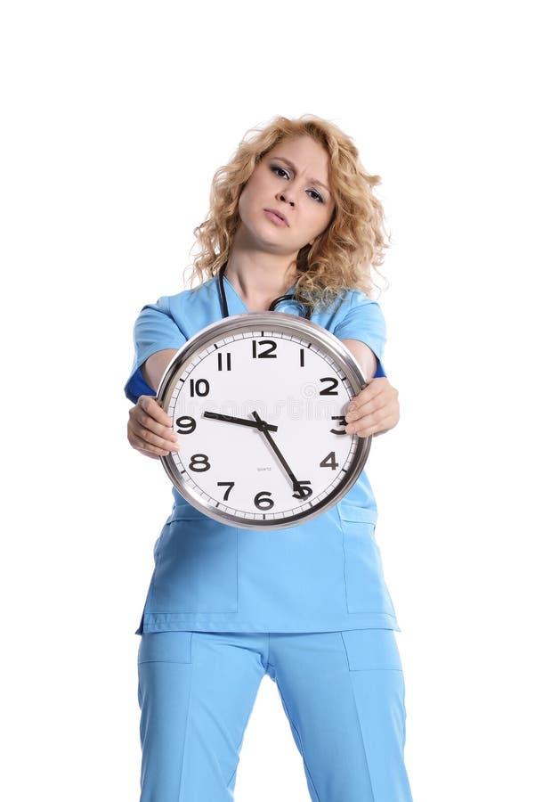 Verpleegstersvrouw die laat lopen stock fotografie