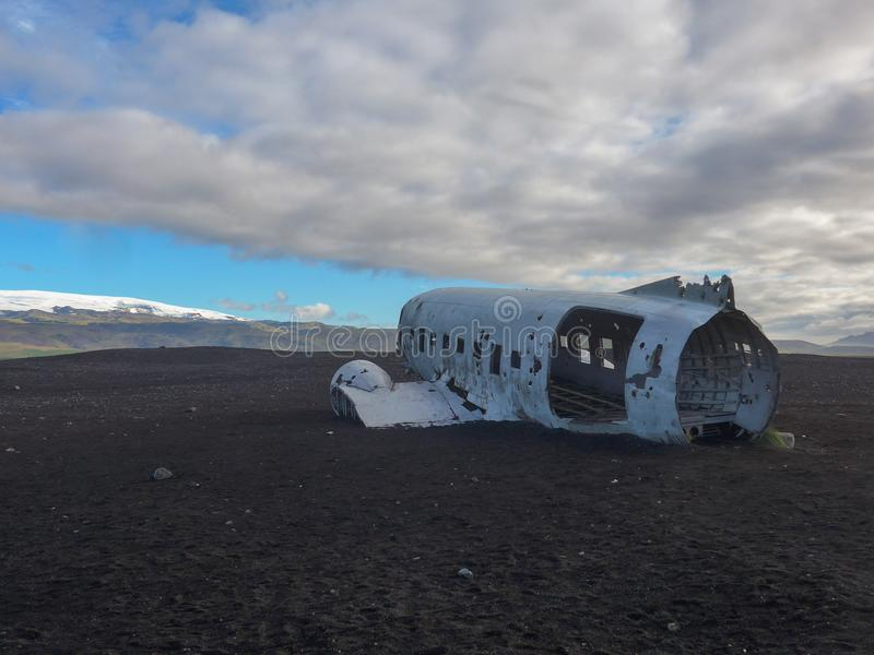 Verpletterd vliegtuig in IJsland dichtbij Vik royalty-vrije stock fotografie
