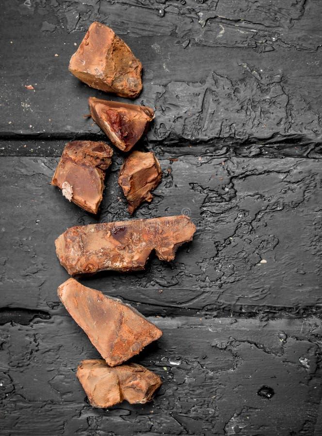 Verpletterde donkere chocolade royalty-vrije stock afbeelding
