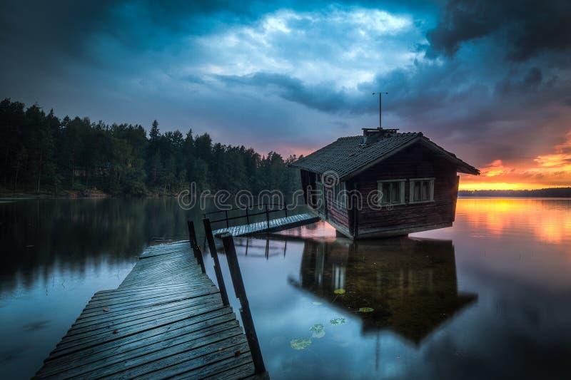 Verrückte Sauna in Finnland, das gruselig ist lizenzfreie stockfotos