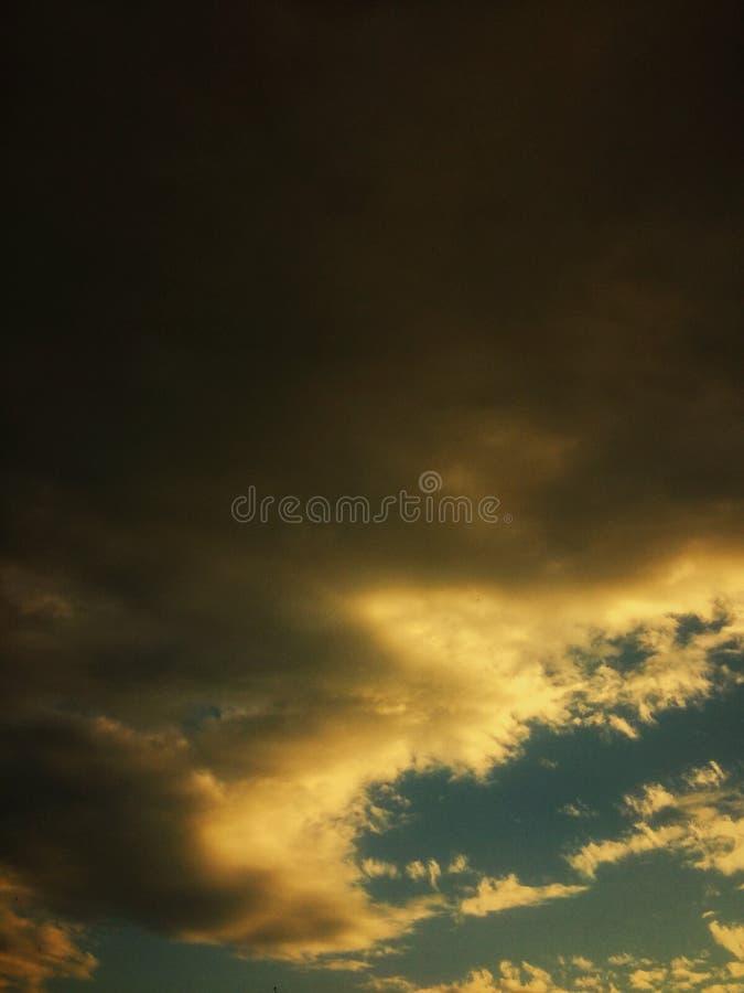 Verrückter Himmel lizenzfreie stockfotos