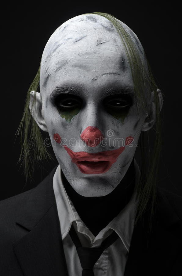Verrücktes Zombierosa des Clowns in einer Jacke lizenzfreies stockbild