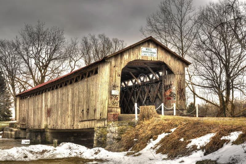 Verrühren Sie überdachte Brücke stockbilder