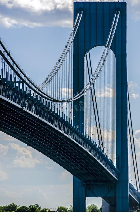 Verrazano -在NYC的狭窄桥梁在天时间 库存照片