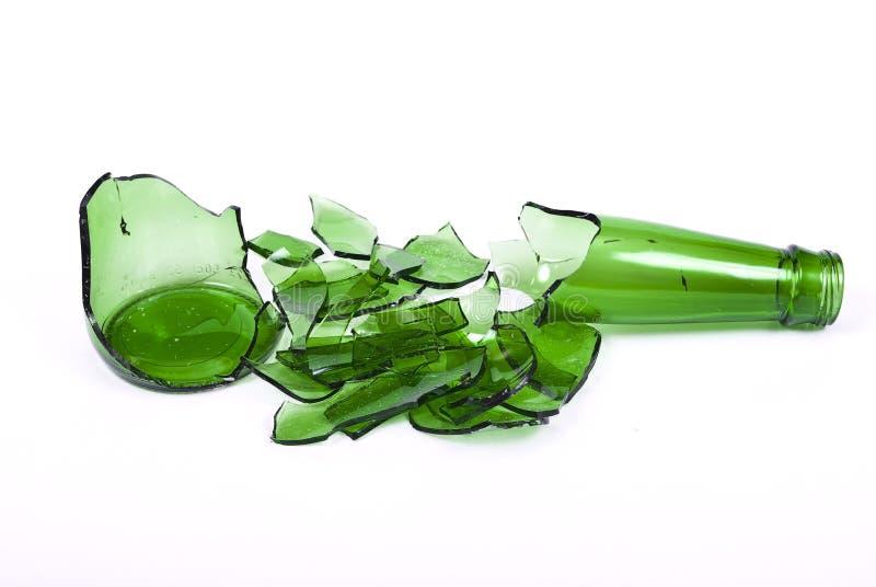 Verre à bouteilles cassé images stock