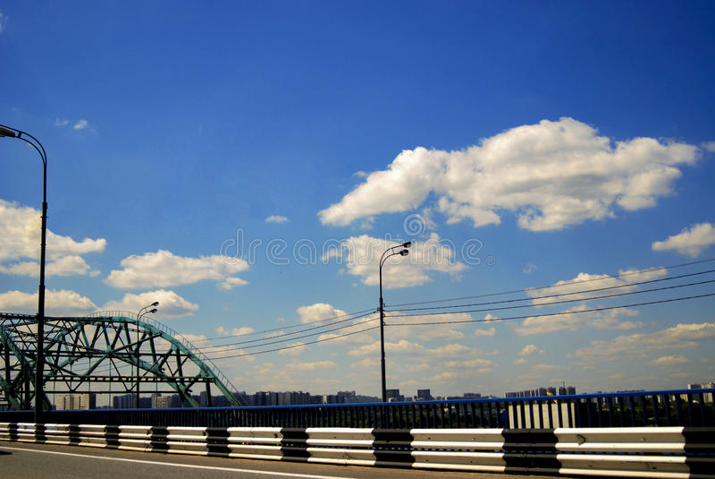 Verre brugweg stock foto