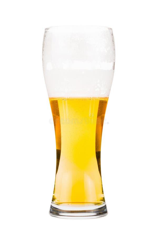 Verre de bière grand presque complètement avec la bière blonde images libres de droits