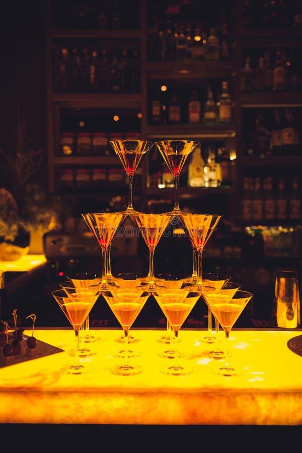 Verre de cocktail avec la boisson photos libres de droits