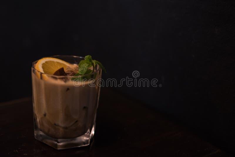 Verre de cocktail d'agrume de café images libres de droits