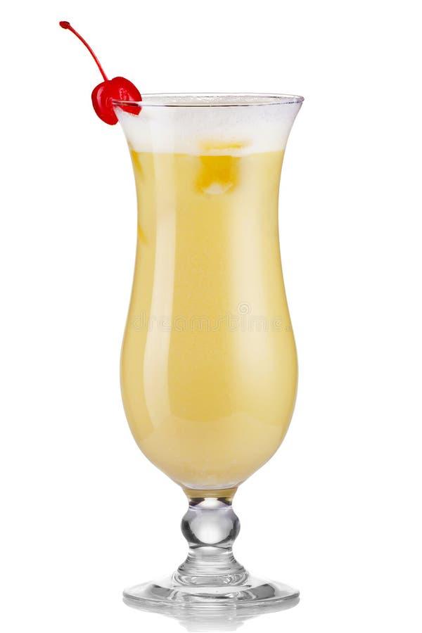 Verre de cocktail de boissons de colada de Pina d'isolement sur le blanc photos libres de droits
