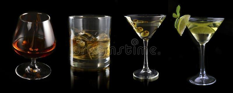 Verre de l'ensemble de spiritueux et de cocktails photo stock