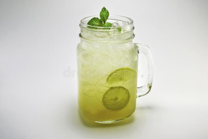 Verre de photographie de limonade images stock