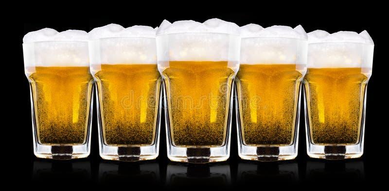 Verre givré de bière blonde photos stock
