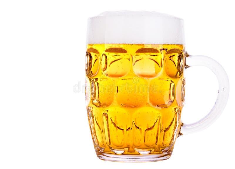 Verre givré de bière blonde d'isolement photographie stock libre de droits
