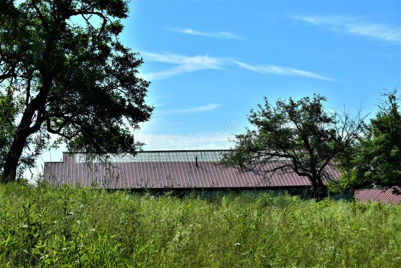 Verre mening van rustieke gebouwen in de zomer in Massachusetts, Verenigde Staten De V.S. stock foto's