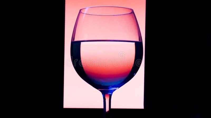 Verre ou stemware avec du vin d'alcool, le whiskey, le genièvre, la bière, le rhum, la vodka, écossais, cognac, boisson alcoolisé photos libres de droits