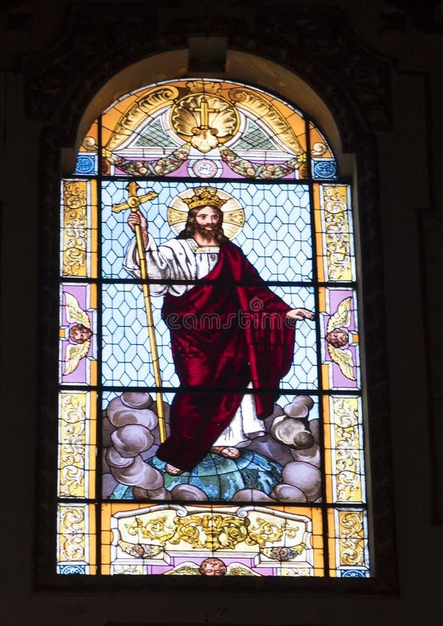 Verre souillé du Christ le roi dans la cathédrale de Duomo, Lecce, Italie image libre de droits