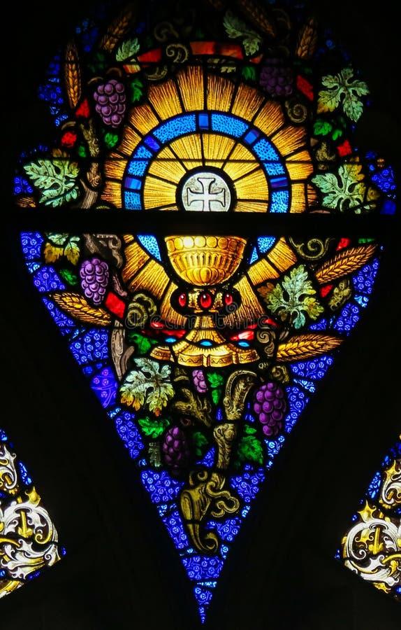 Verre souillé - eucharistie et Saint Graal images libres de droits