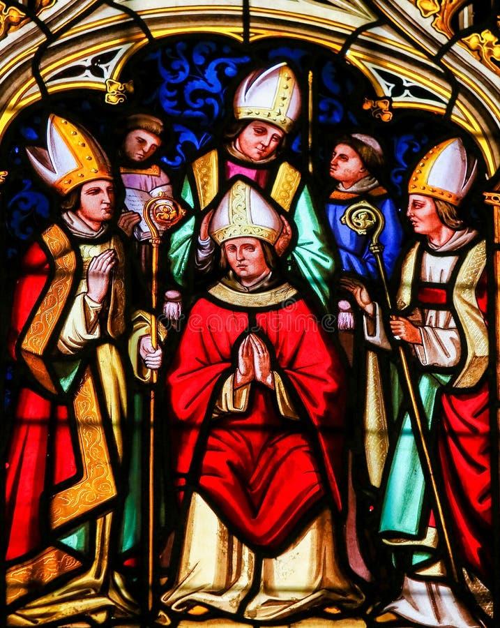 Verre souillé - vigueur de saint dans la cathédrale de Bayeux photographie stock