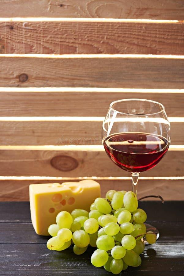 Download Verre Toujours De La Vie De Vin Et De Raisins Photo stock - Image du rassemblez, ramassage: 77162262