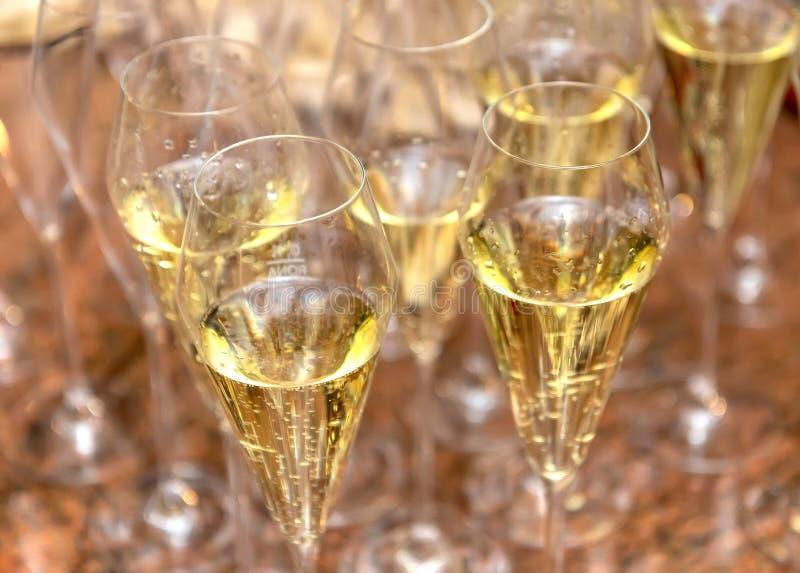 Verres avec fermoir à champagne images libres de droits