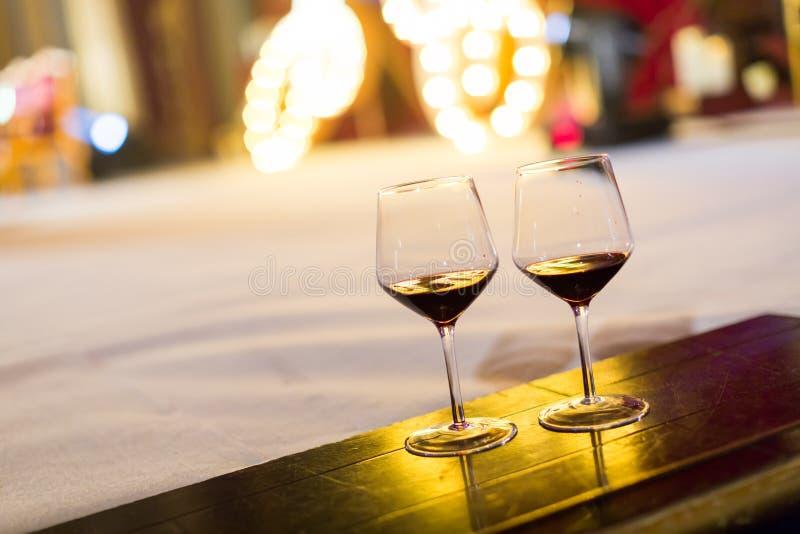 Verres de champagne de mariage images stock