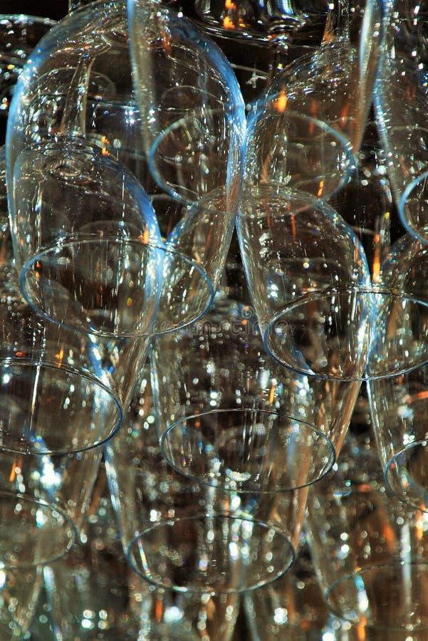 Verres de vin pour des célébrations spéciales images libres de droits