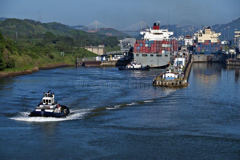 Verriegelungen am Panamakanal stockfotos
