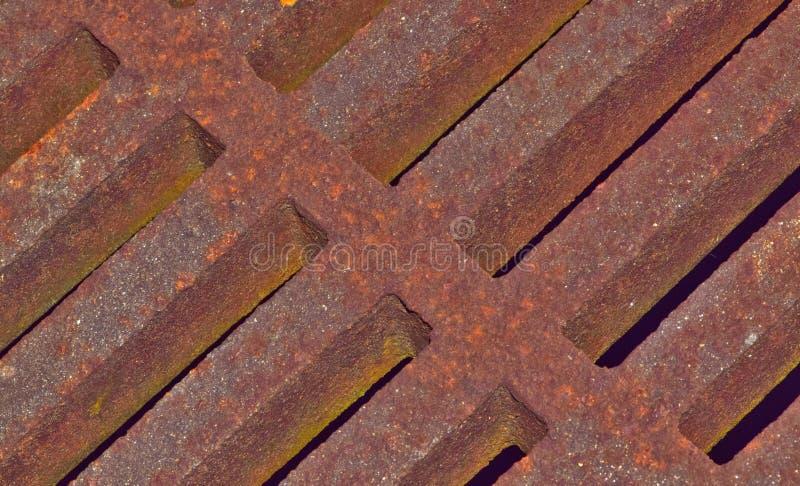 Verrostetes Metallsturm-Abflussgitter lizenzfreies stockfoto
