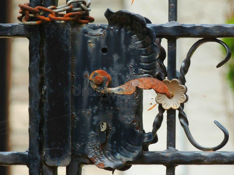 Verrou ornemental de porte en métal images libres de droits