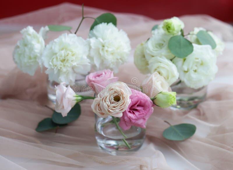 Verrukkelijk boeket van witte en roze kleuren stock foto