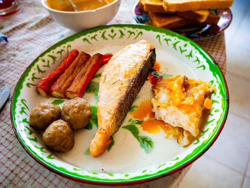 Vers de lentebroodje, Thais straatvoedsel, Bangkok, Thailand stock foto's