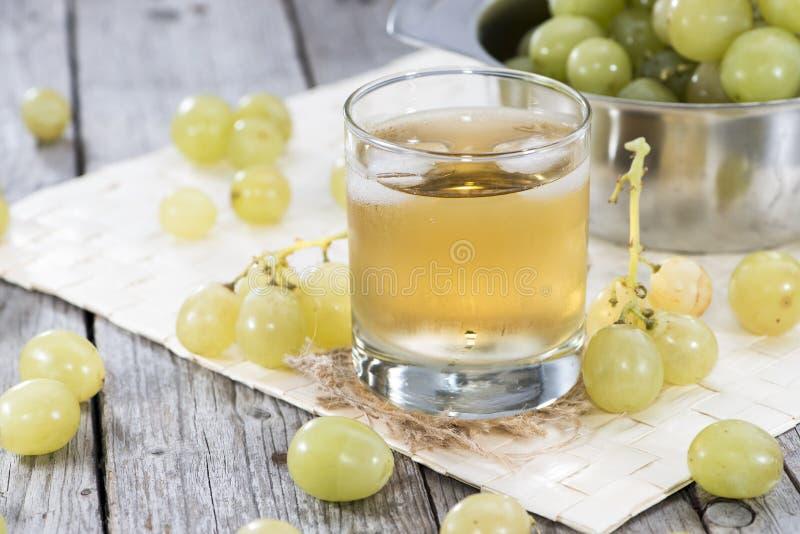 Vers Druivesap met Ijs stock afbeelding