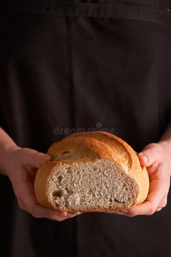 Vers Eigengemaakt Brood kernachtig Brood bij zuurdeeg Ongedesemd brood Dieet brood stock foto