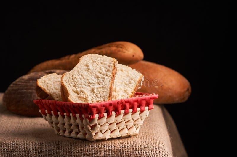 Vers Eigengemaakt Brood kernachtig Brood bij zuurdeeg Ongedesemd brood Dieet brood royalty-vrije stock foto's