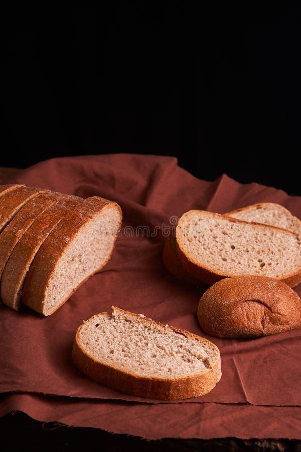 Vers Eigengemaakt Brood kernachtig Brood bij zuurdeeg Ongedesemd brood Dieet brood royalty-vrije stock fotografie