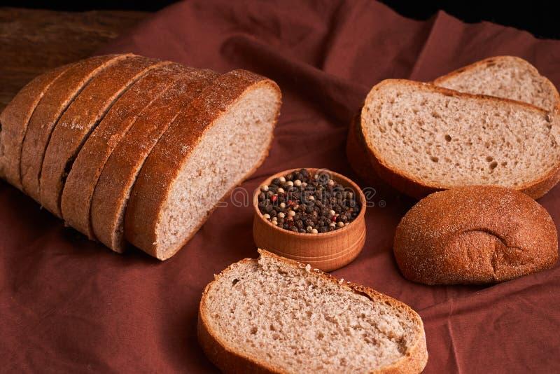 Vers Eigengemaakt Brood kernachtig Brood bij zuurdeeg Ongedesemd brood Dieet brood stock afbeelding