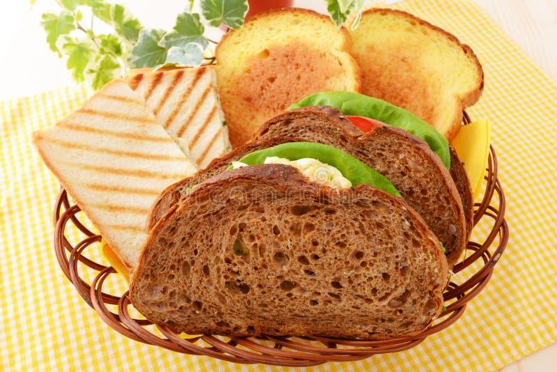 Vers en smakelijk broodontbijt royalty-vrije stock afbeelding