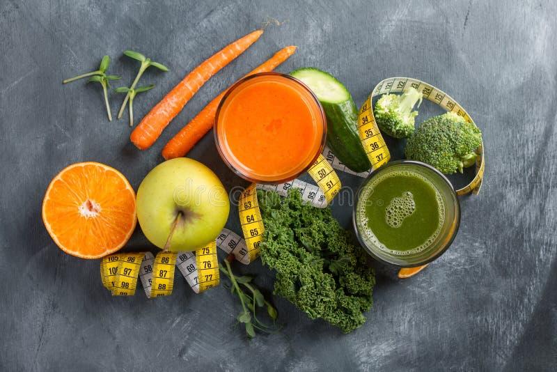 Vers fruit en groentesap stock fotografie
