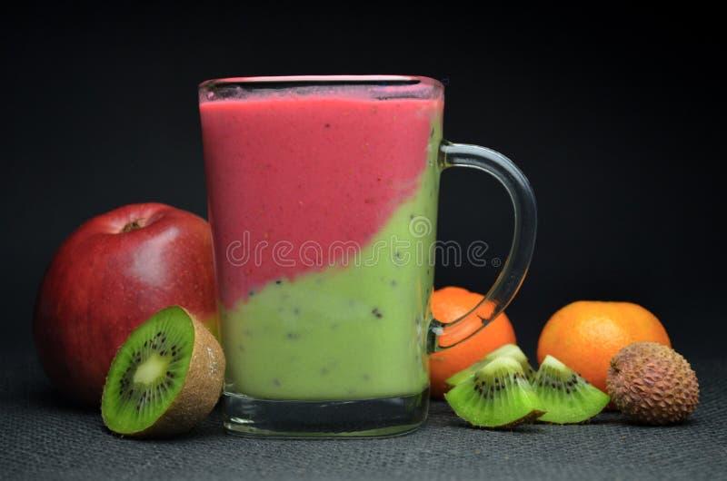 Vers Fruit Smoothie stock afbeeldingen